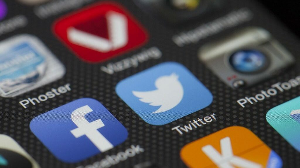 Twitter-App-Icon auf einem mobilen Endgerät